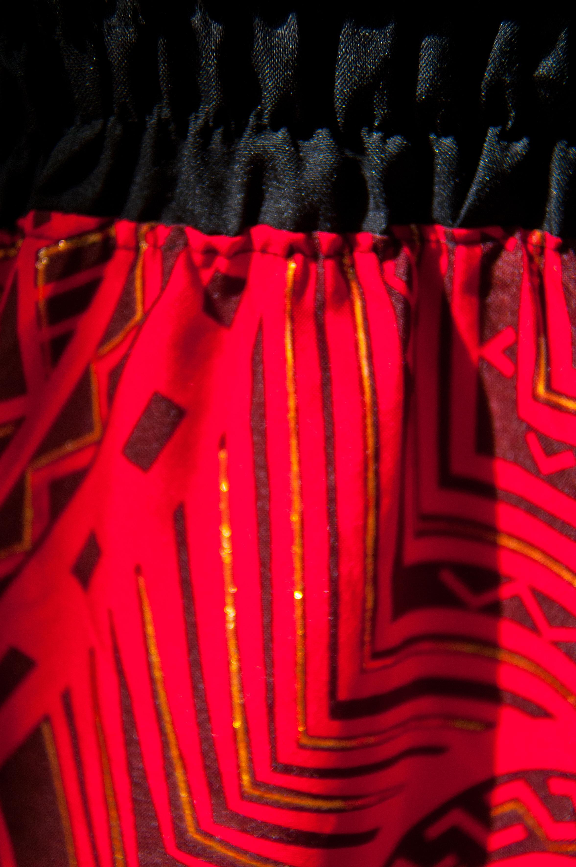 détail maxi-robe rouge
